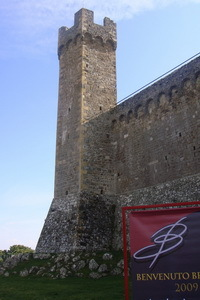 Montalcino%20-%20castle%20and%20sign%20%20.jpg